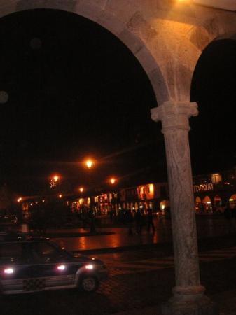 กุสโก, เปรู: Cusco at night