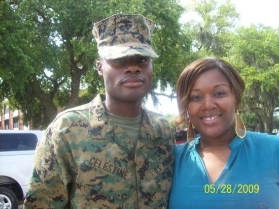 Parris Island, เซาท์แคโรไลนา: me and lil bro! he not so little no more huh? Drill instructor!