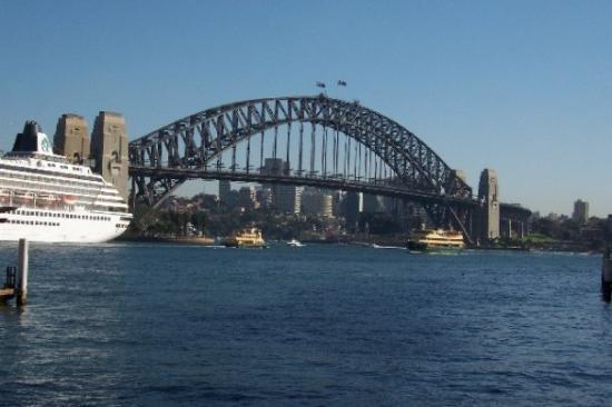 สะพานซิดนีย์ฮาเบอร์: Sydney bridge