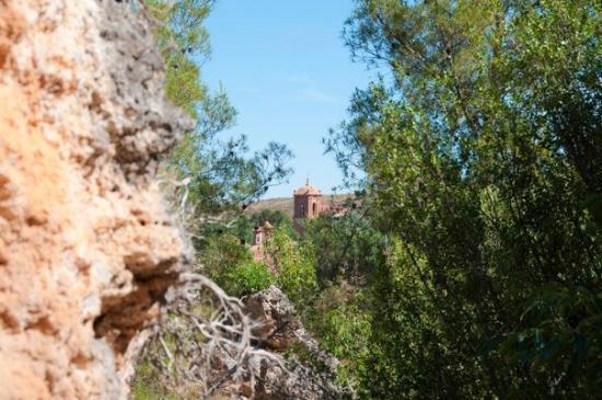 Nuevalos, สเปน: Monasterio desde Puerta Negra