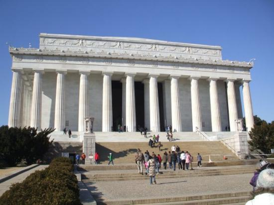 http://media-cdn.tripadvisor.com/media/photo-s/01/3f/0b/36/lincoln-memorial.jpg