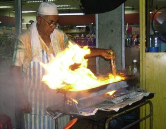 กัวลาลัมเปอร์, มาเลเซีย: These skewers are sizzlin'!