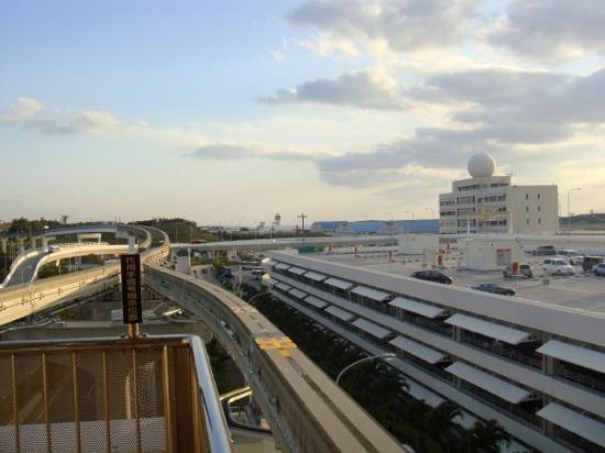 นะฮะ, ญี่ปุ่น: OKA airport : 單軌列車站