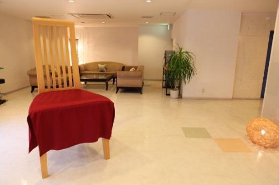 นะฮะ, ญี่ปุ่น: BIG chair @ Makishi Hotel Lobby