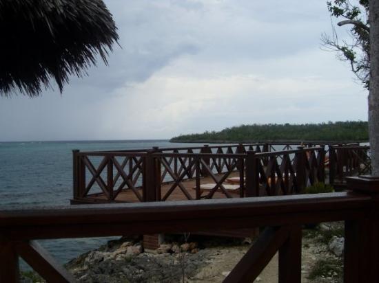 Paradisus Rio de Oro Resort & Spa: the sunbathing area