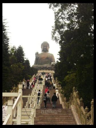 พระใหญ่: Staircases to the Buddha there are 250 staircases to reach the Buddha tired!!!!