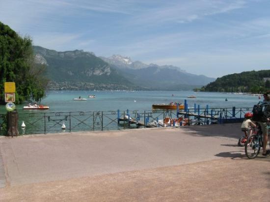 อานเนอซี, ฝรั่งเศส: lake Annecy