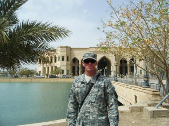 Baghdad, อิรัก: me getting ready