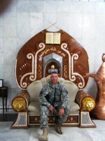 Baghdad, อิรัก: sitting in Saddams chair lol