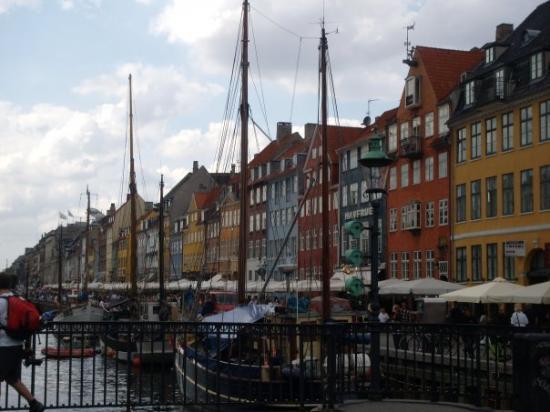 โคเปนเฮเกน, เดนมาร์ก: Nyhavn i dejligt vejr