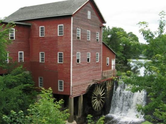 Augusta, วิสคอนซิน: The only mill remaining in Wisconsin