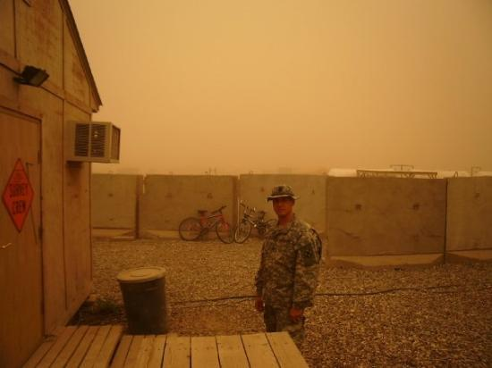 Baghdad, อิรัก: Another dust storm