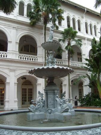โรงแรมราฟเฟิลส์: Raffles hotel