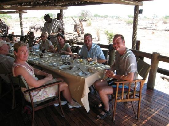 Chobe National Park, บอตสวานา: Lunchpå Savuti lodge tillsammans med folk från hela världen..var den klart bästa lodgen vi varpå