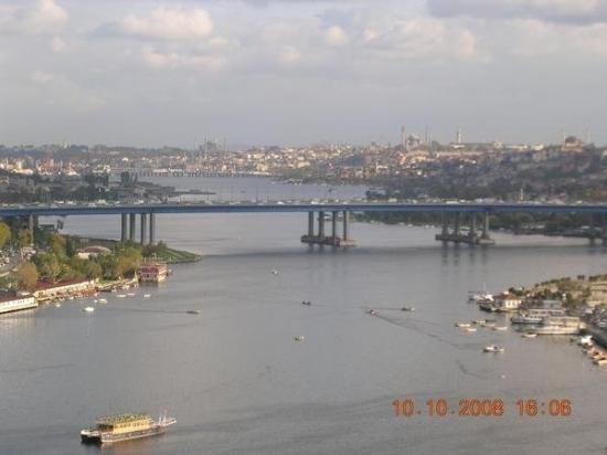 Galata Bridge: ISTANBUL