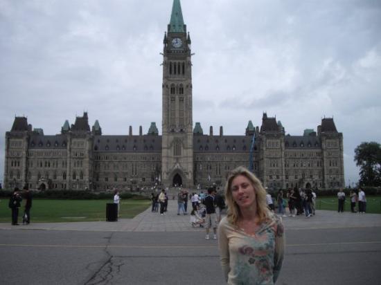 ออตตาวา, แคนาดา: I am such a tourist.