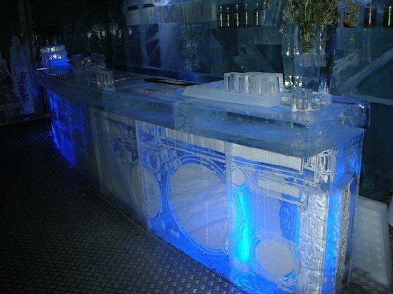 ICEBAR by ICEHOTEL Stockholm: Absolut Icebar Stockholm -