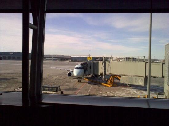 มอนทรีออล, แคนาดา: Small plane to New York