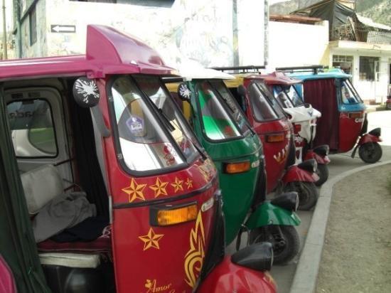 Ayacucho, เปรู: les ptit taxi à 3 roues!