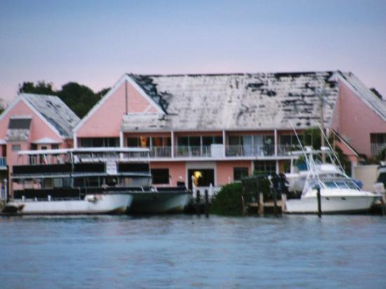 Grand Bahama Island: William's house with the boat docked right outside!!