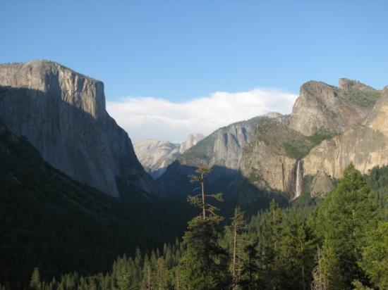 อุทยานแห่งชาติโยเซมิตี, แคลิฟอร์เนีย: Yosemite National Park, CA, United States  from Tunnel View
