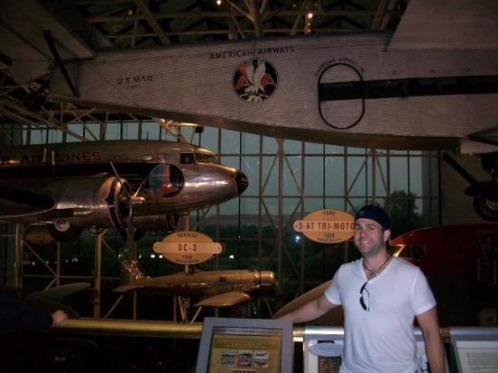พิพิธภัณฑ์อากาศและอวกาศแห่งชาติ: Air & Space Museum