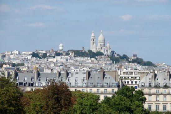 ซาเคร็ดฮาร์ทบาซิลิกาแฟมอนมารทร์: Ago 09: El Sacré-Coeur, visto desde la terraza del Museo de Orsay
