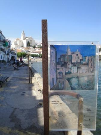 Cadaques, สเปน: Dali painting of that view