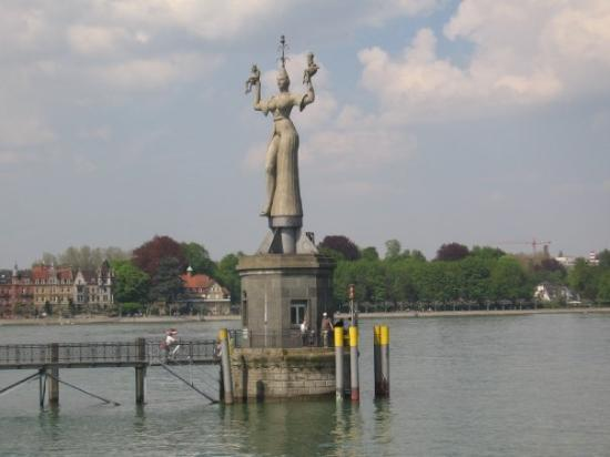 Hafen Konstanz: lady of the nite