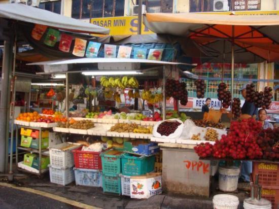 กัวลาลัมเปอร์, มาเลเซีย: Fruit store