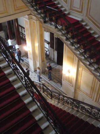 เซนต์ปีเตอร์สเบิร์ก, รัสเซีย: Staircases for going up and going down.