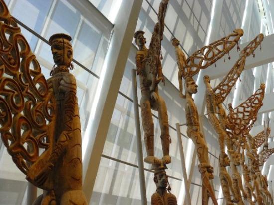 พิพิธภัณฑ์ศิลปะเมโทรโปลิทัน: Metropolitan Museum
