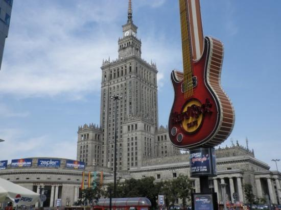 Palace of Culture and Science: Palacio de la Cultura en Varsovia y el Hard Rock