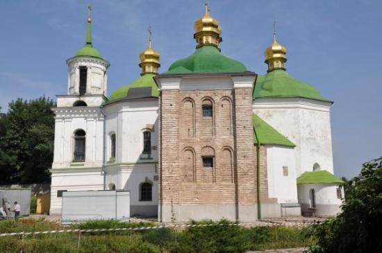 อารามถ้ำคีฟเปเชิร์สกลาวรา: church of XII century!