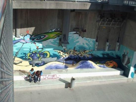 แกรซ, ออสเตรีย: Pogled ispod mosta :)