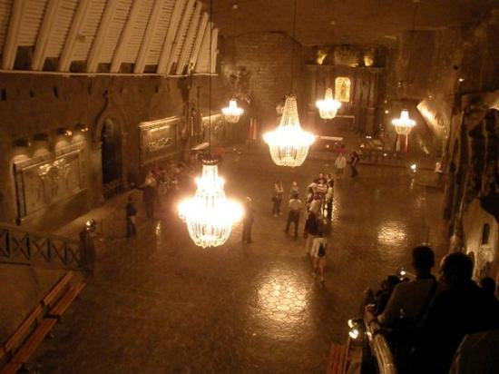 เหมืองเกลือวีลิคซา: Aunque no lo creais todo es sal, suelos, paredes, lamparas y como a 100 metros bajo el suelo