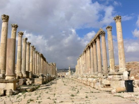 Jerash Collondaded road