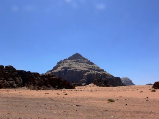 Wadi Rum, จอร์แดน: Pyramid Mt