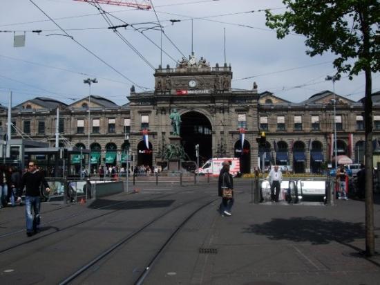 ซูริค, สวิตเซอร์แลนด์: Zurich, Switzerland