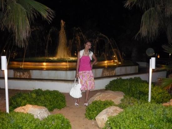 Radisson Blu Palace Resort & Thalasso, Djerba: out 4 dinner, in front of Radisson