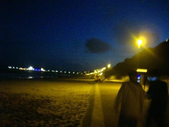 Bournemouth (เมืองโบร์นมุธ), UK: Beach by night