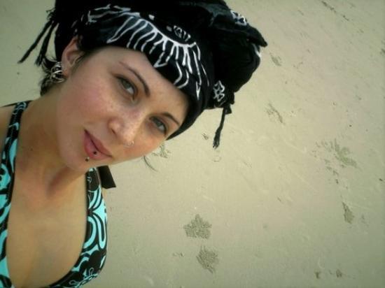 เกาะเสม็ด, ไทย: bikini mode Roxy-style!