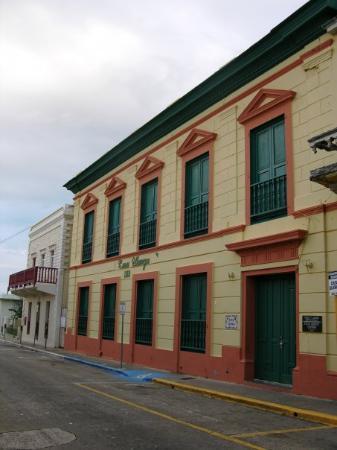 Arecibo, เปอร์โตริโก: Casa Ulanga.