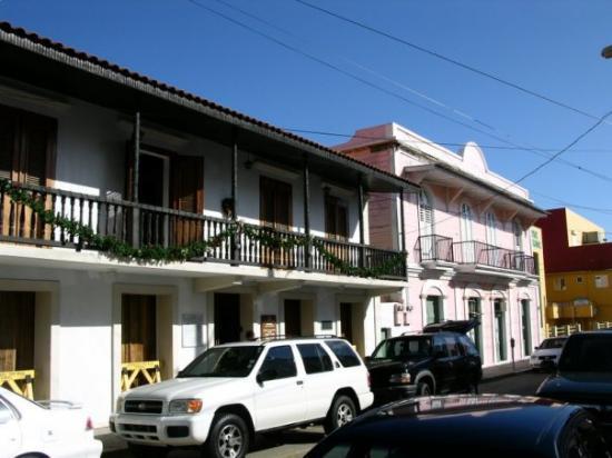 Arecibo, เปอร์โตริโก: Casa parroquial de la catedral y lugar donde nacio Don Cayetano Coll y Toste.
