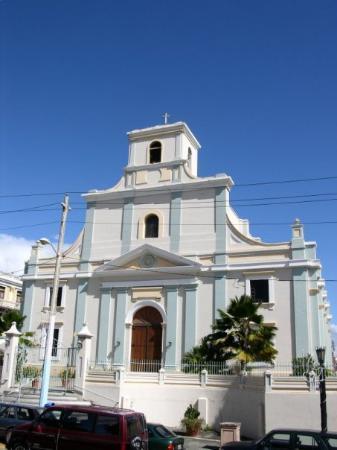 La Iglesia de San Felipe Apostol de Arecibo.