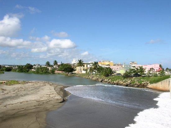 Desembocudura del Rio Grande de Arecibo.