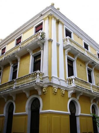 Edificio Oliver de Arecibo.