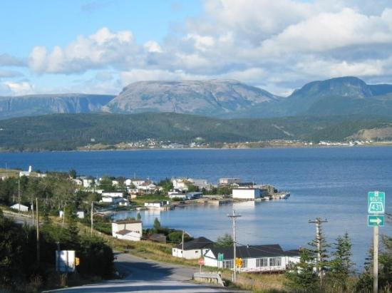 Gros Morne National Park, แคนาดา: Gros Morne Mountain, as seen from Woody Point, Newfoundland (Aug 07).
