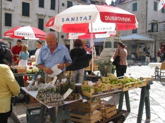ดูบรอฟนิก, โครเอเชีย: A market in Dubrovnik, Croatia (Oct 06).