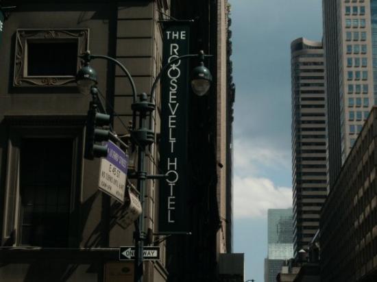 โรงแรมรูเซเวลท์: Our Hotel